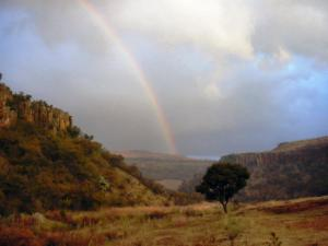 gorge and rainbow 1